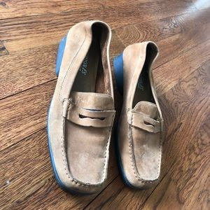 Aerosoles tan leather suede loafers